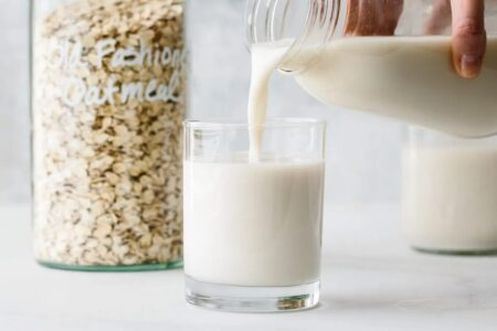 Вівсяне молоко: користь продукту, кращі рецепти