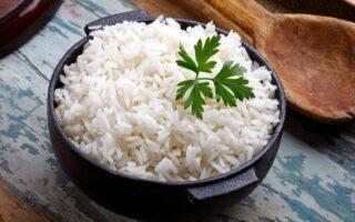 Як правильно варити рисову кашу на воді