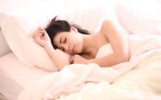 Як швидко заснути за 1 хвилину: секрети