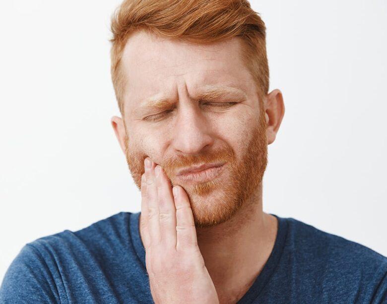 Чому болять зуби?