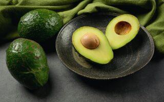 Авокадо та їх користь для здоров'я [10 чудових переваг]