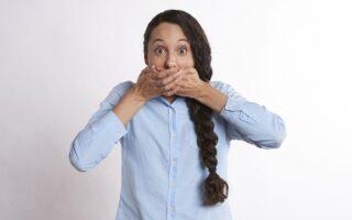 Неприємний запах з рота (галітоз) - що викликає та як подолати